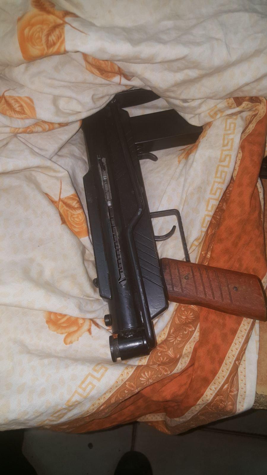 النقب: اعتقال 4 مشتبهين بشبهة حيازة السلاح والمخدرات