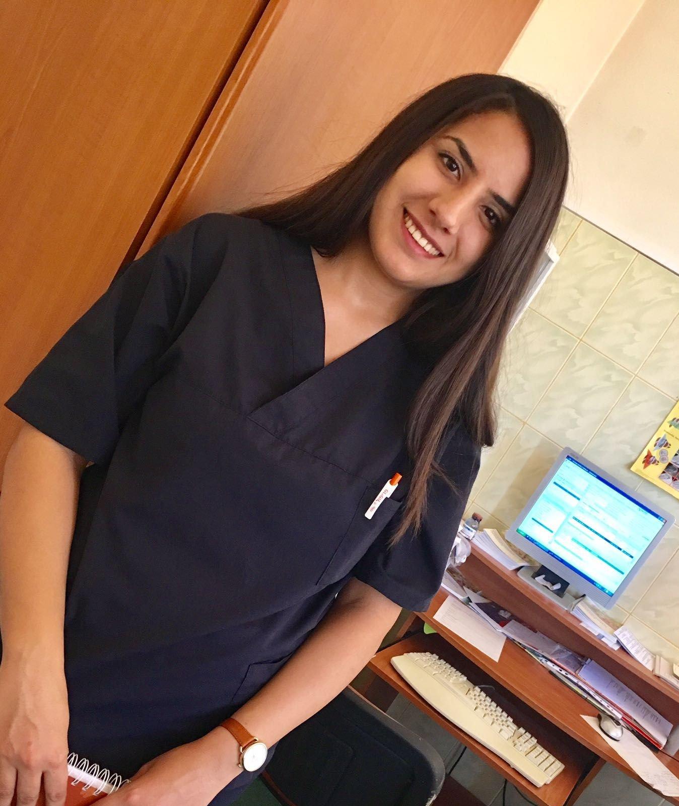 مجتمع الأطباء: أربع أخوات يدرسن الطب معًا خارج البلاد ويتقاسمن شقّة واحدة