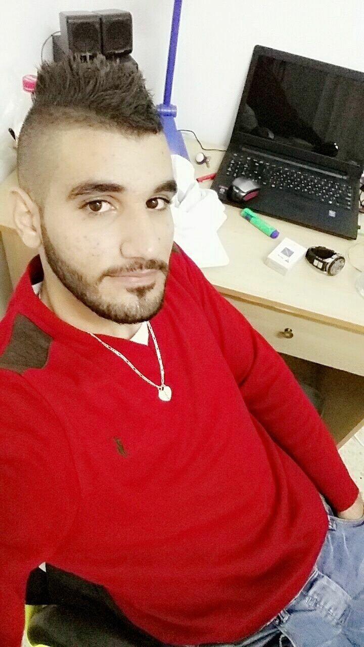فاجعة طرعان .. الطالب الجامعي صالح خير الله أراد توجيه شاحنة بموقف سيارات، فدهسته بالخطأ