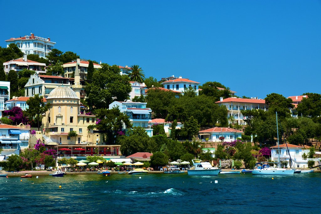 جزر الأميرات الساحرة... جنّة السياحة التركية! 1227083462
