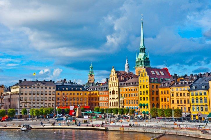 """هنا السويد.. أهلًا بك في """"الدولة الأكثر إنسانية"""" في العالم"""
