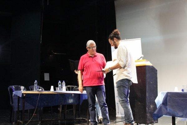 إعلام يختتم مشروع القيادة الشابّة بفوجه الأول لهذا العام في مسرح الميدان وفوز علي زبيدات في المركز الأول