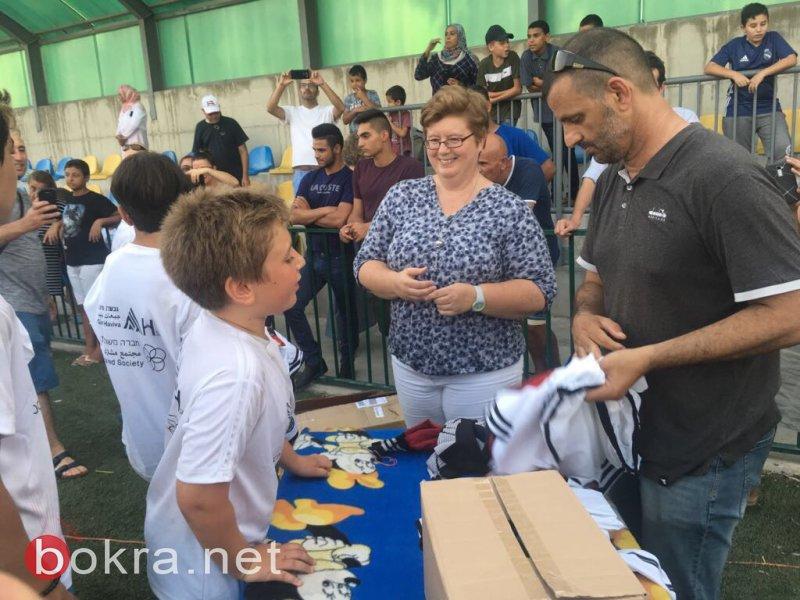 غفعات حبيبة تختتم مخيم كرة القدم للسلام بمشاركة ممثلي السفارات