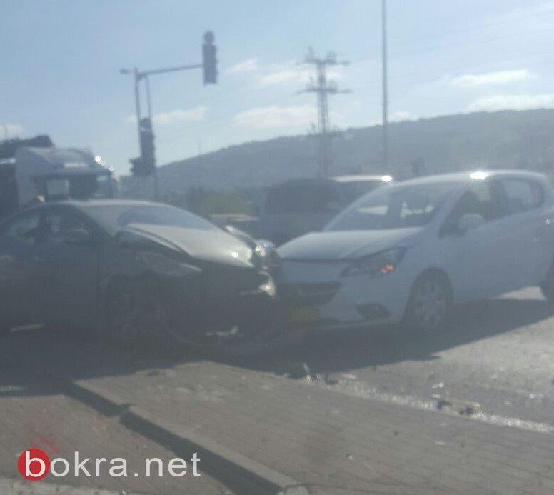 وادي عارة: ازمة مرورية خانقة بسبب حادث واصابة 3 اشخاص