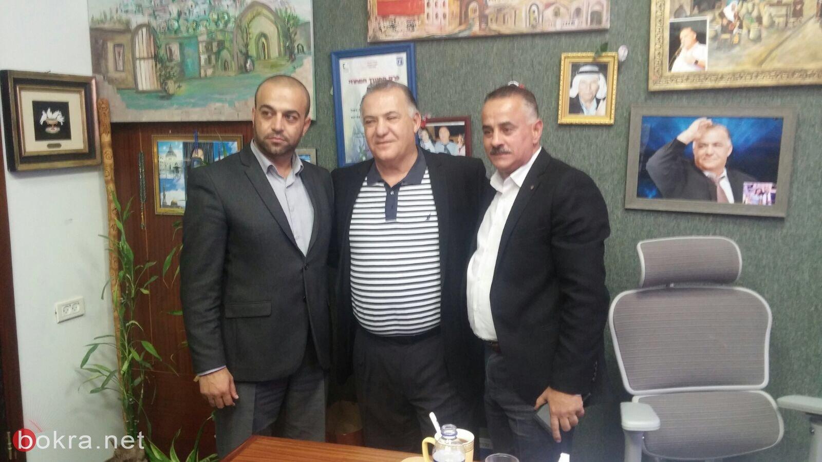 وفد فلسطيني رفيع المستوى يزور بلدية الناصرة