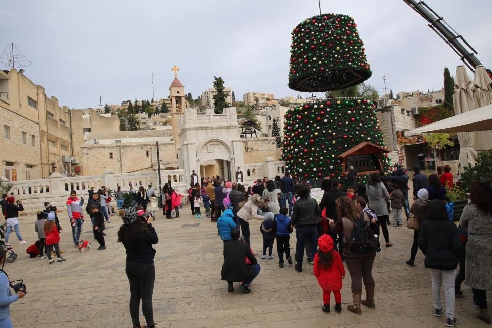 الناصرة تستعد لاضاءة شجرة الروم الارثوذكس
