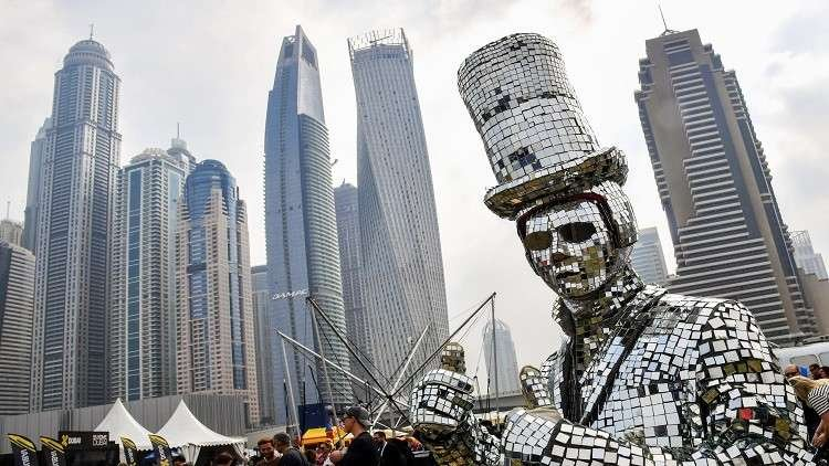 دبي تفتتح أطول فندق في العالم
