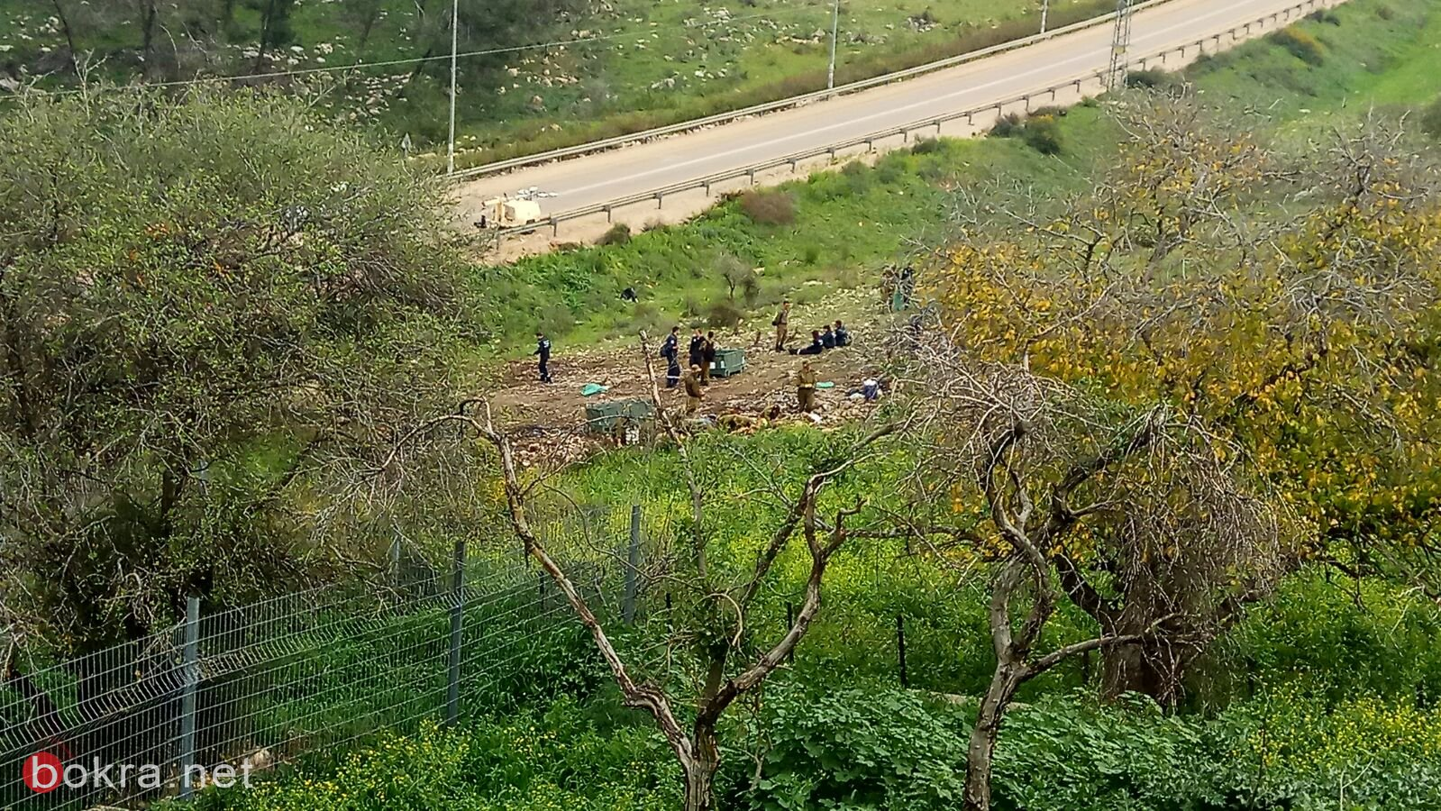 استمرار إغلاق الشارع المحاذي لمنطقة سقوط الطائرة الحربية