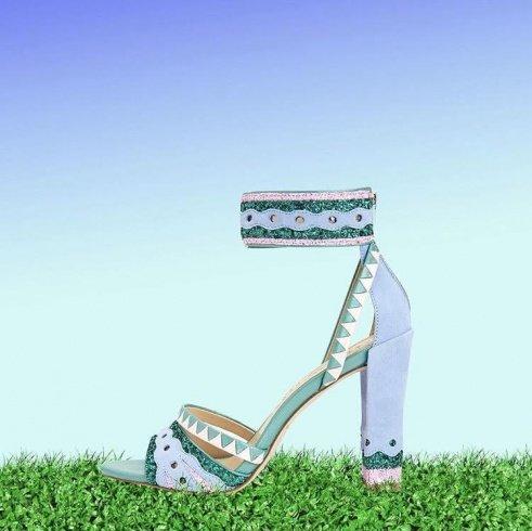 كايتي بيري تدخل عالم تصميم الأحذية