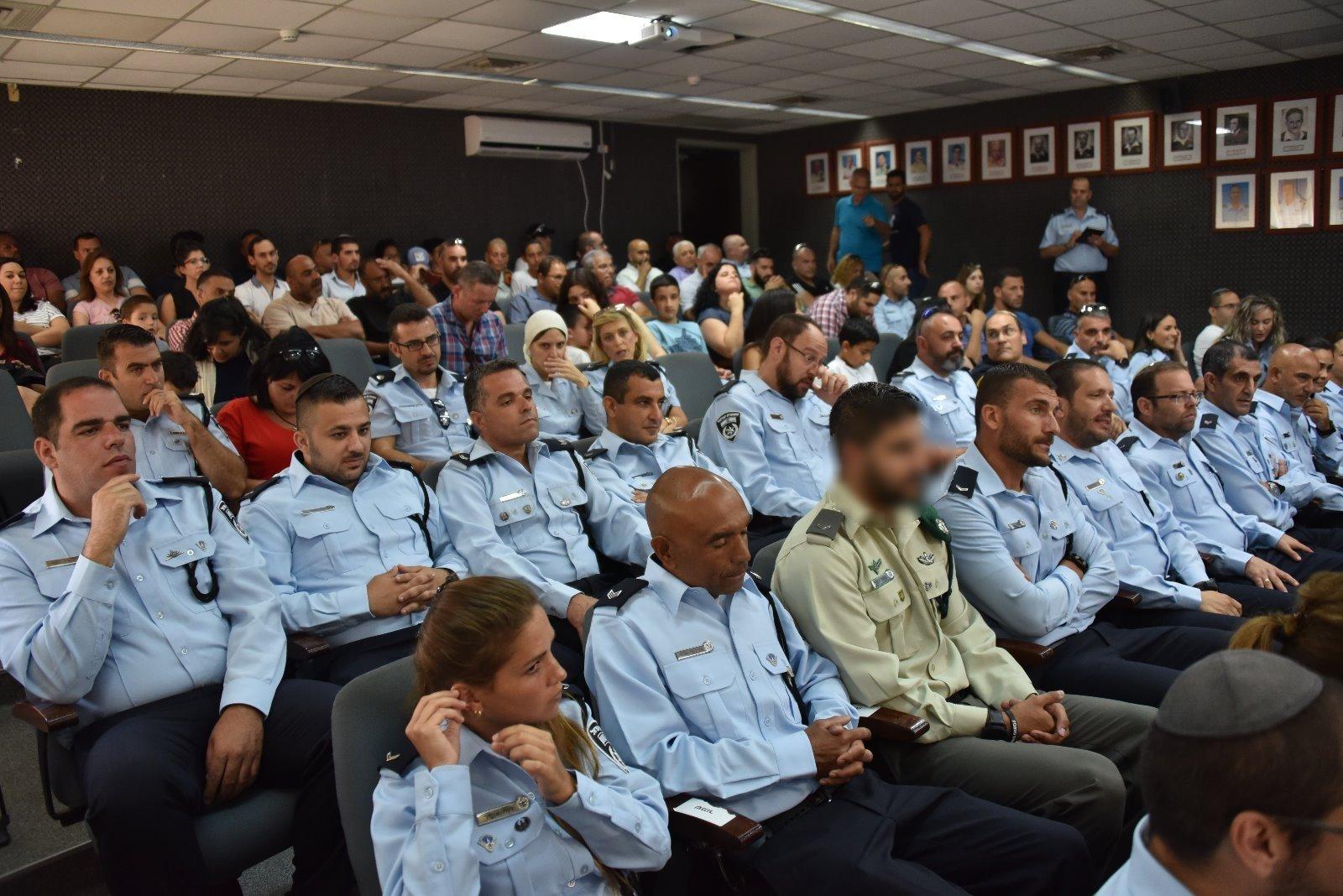 الشرطة الإسرائيلية تعلم عناصرها اللغة العربية