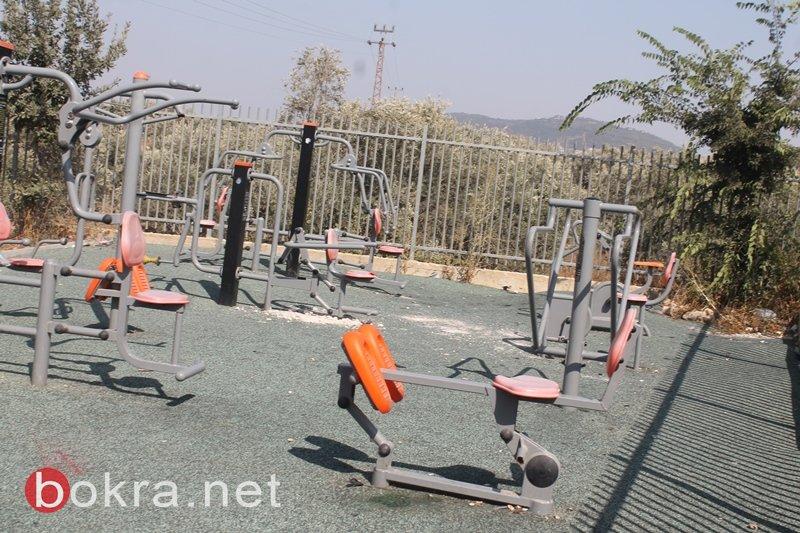 سخنين: حديقة العاب رياضية اصبحت وكرا للأفاعي ومكانا لتعليق اليافطات