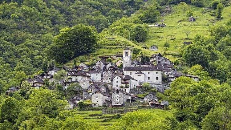 تحويل هذه القرية الأثرية الصغيرة الى فندق سياحي