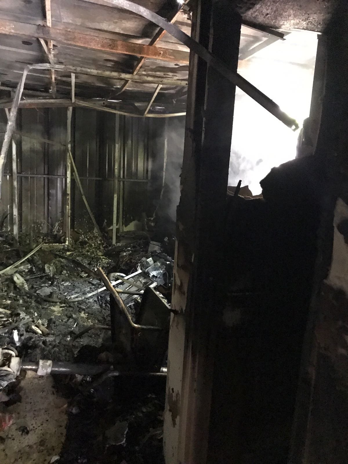 يافة الناصرة: اندلاع حريق في مكتب الزميل ايهاب الحصري