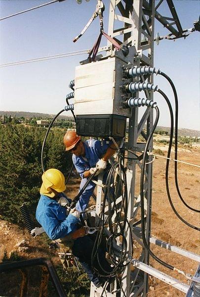 نسبة تخفيض تسعيرة الكهرباء ادنى من اللازم!