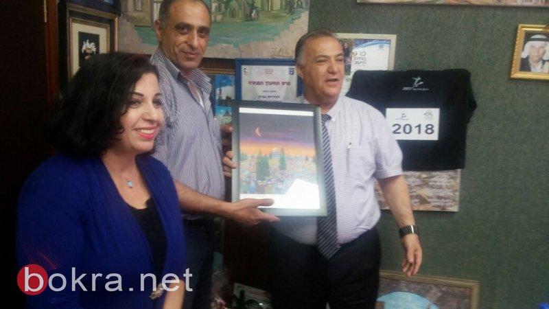 فنانين تشكيليين من الناصرة يلتقون علي سلام رئيس البلدية