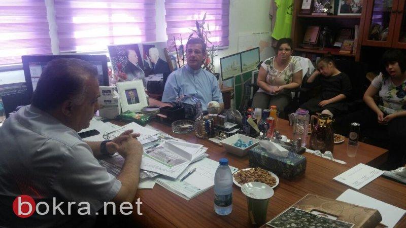 الناصرة: مدرسة العائلة المقدسة للتربية الخاصة تدعو رئيس البلدية للمشاركة بحفلها السنوي