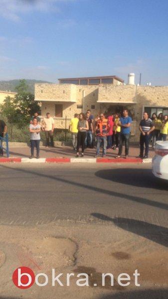 دبورية: اهالي طلاب الاعدادية يرفضون عودة المدير ويغلقون المدرسة
