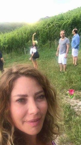 سلافة معمار تقضي إجازتها برفقة ابنتها وأصدقائها في سلوفينيا