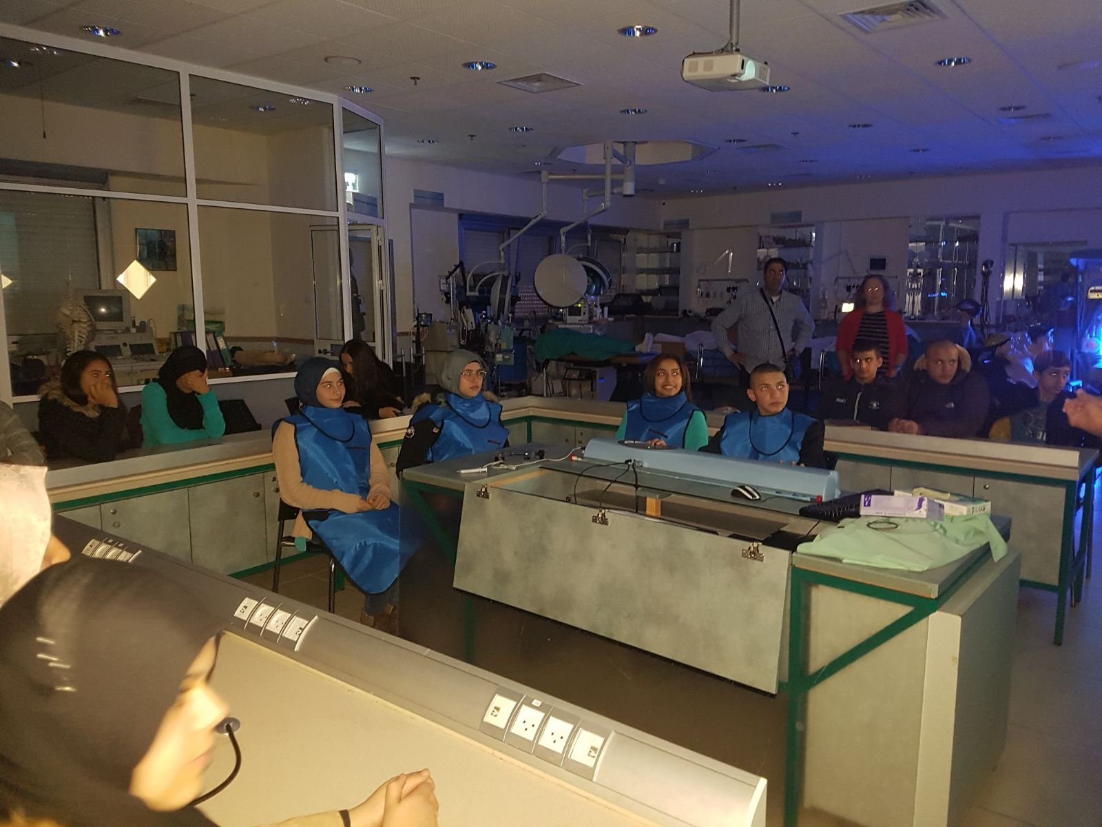 طلاب بيت الحكمة الثانوية في زيارة لمعهد العلوم والتكنولوجيا