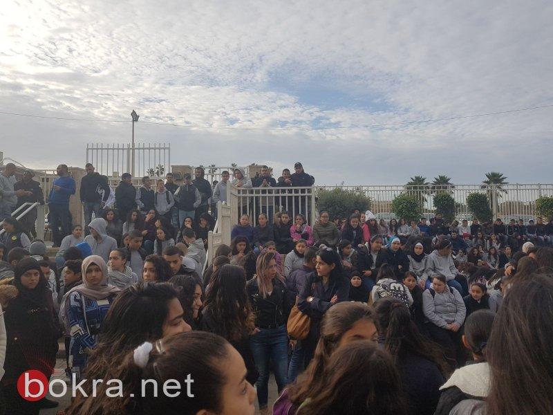 عكا: مدرسة حلمي الشافعي تودع الطالبة المرحومة آية ابودبوس بالدموع