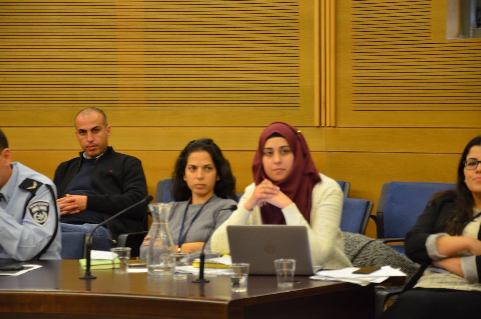بمبادرة الطيبي وزحالقة ومركز مساواة: لجنة المالية توصي بضرورة اعداد خطة اقتصادية لسد الفجوات