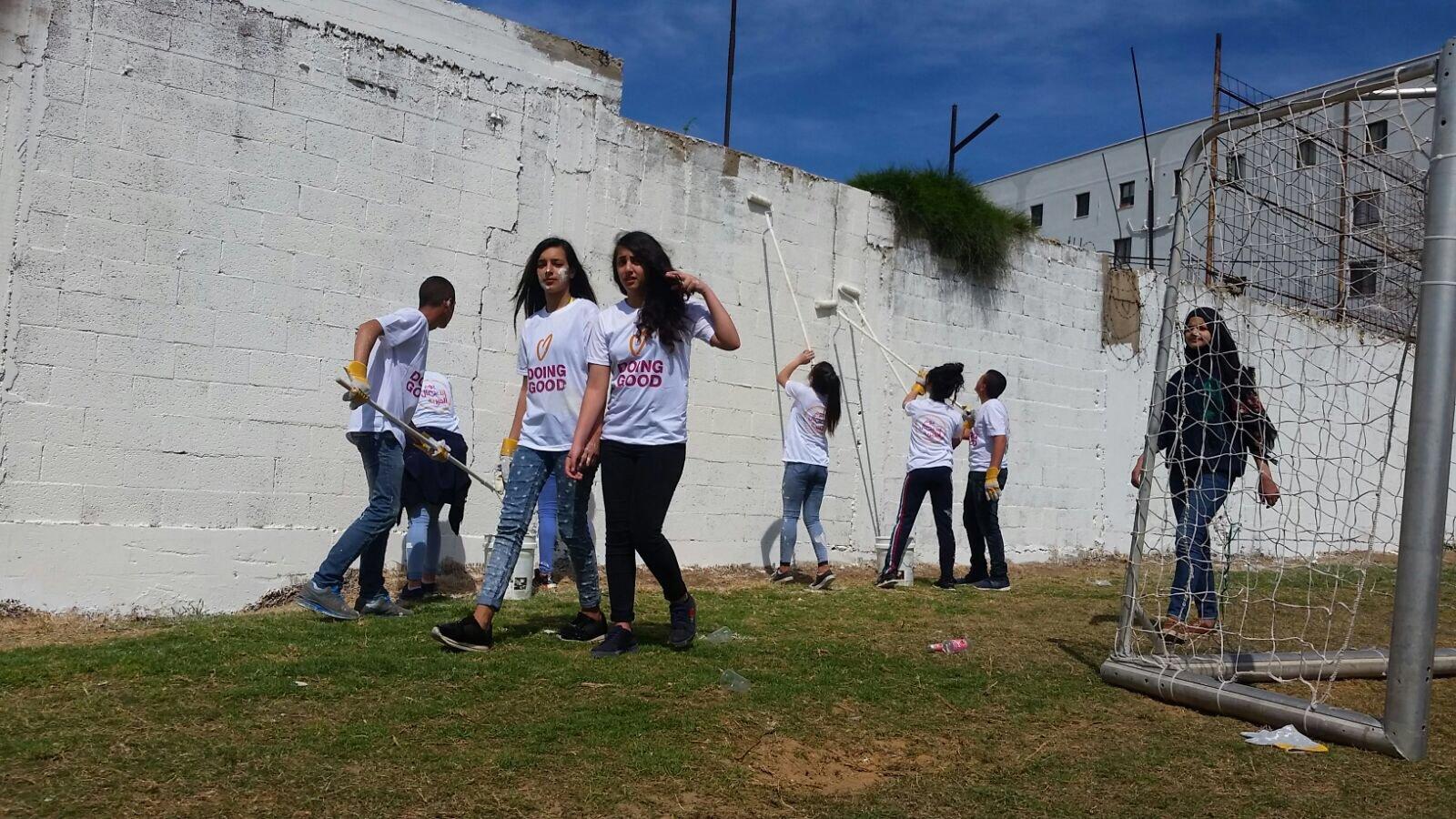 يوم اعمال خيرية مفعم بالحيوية في ام الفحم