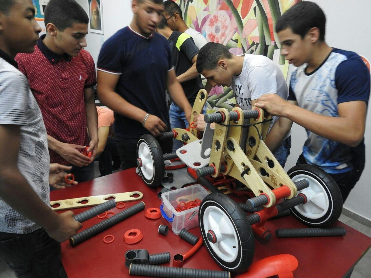 أورط الأخوة جلبوع تكرم طلابها المتميزين في المشاريع التعليمية