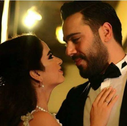 ممثلة سورية تتزوج من إيراني.. شاهدوا جرأة فستانها