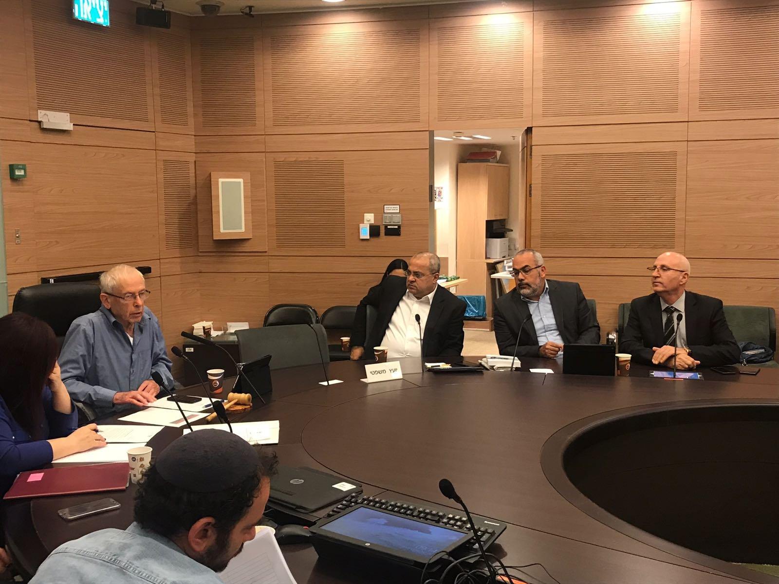 بمبادرة الطيبي: لجنة الداخلية البرلمانية تبحث في قضية مكتب الداخلية في القدس الشرقية