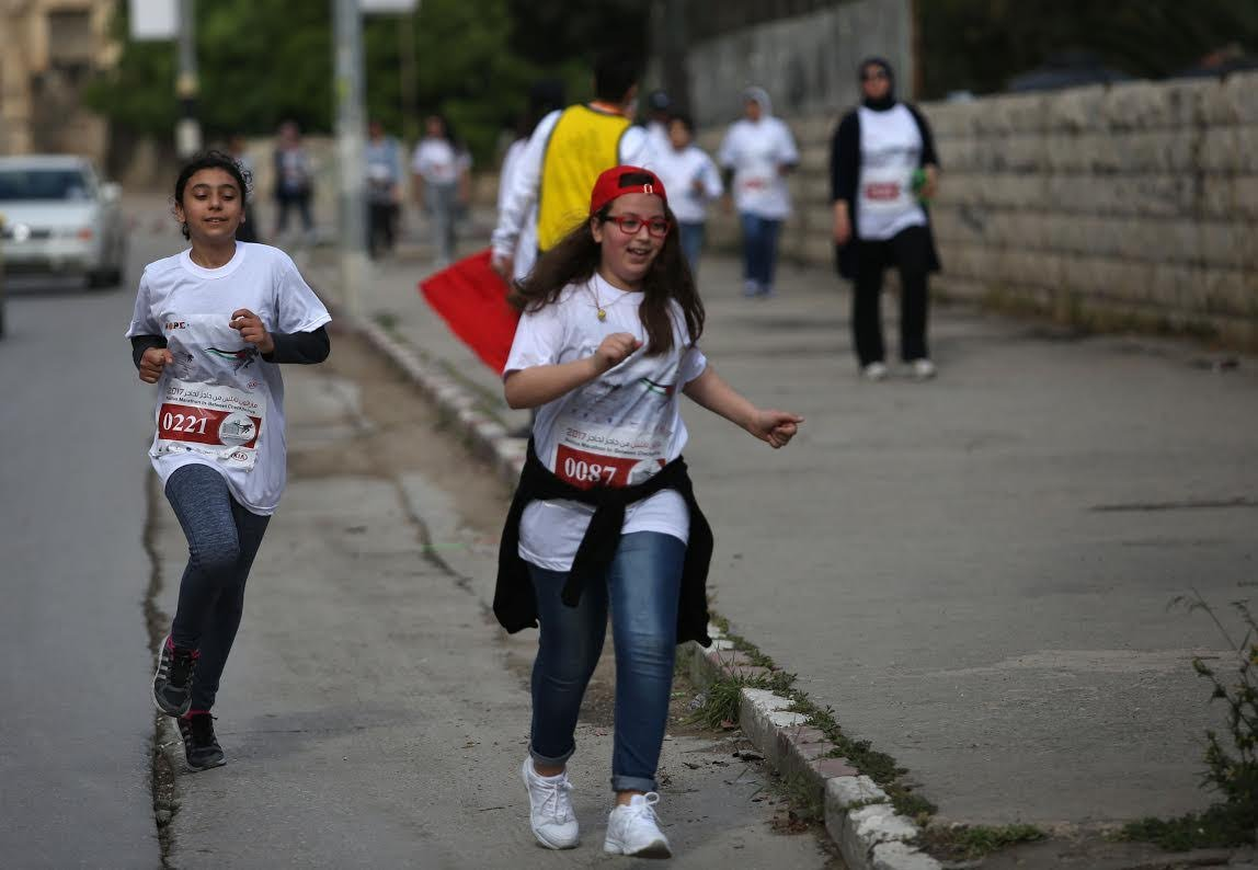 نابلس: من حاجز لحاجز.. مارثون رياضي رفضا للحواجز الإسرائيلية