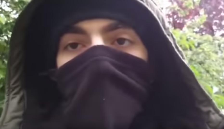 منفذ عملية الطعن في فرنسا .. شيشاني منتسب في داعش!