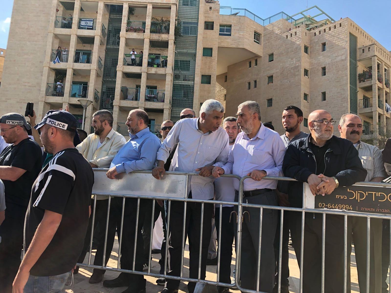 مظاهرة القدس: الاعتداء على متظاهرين وقيادات فلسطينية، اعتقالات، ومصادرة الأعلام!