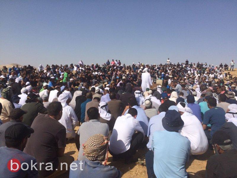 المئات في النقب يشيعون المحامي آدم الهواشلة