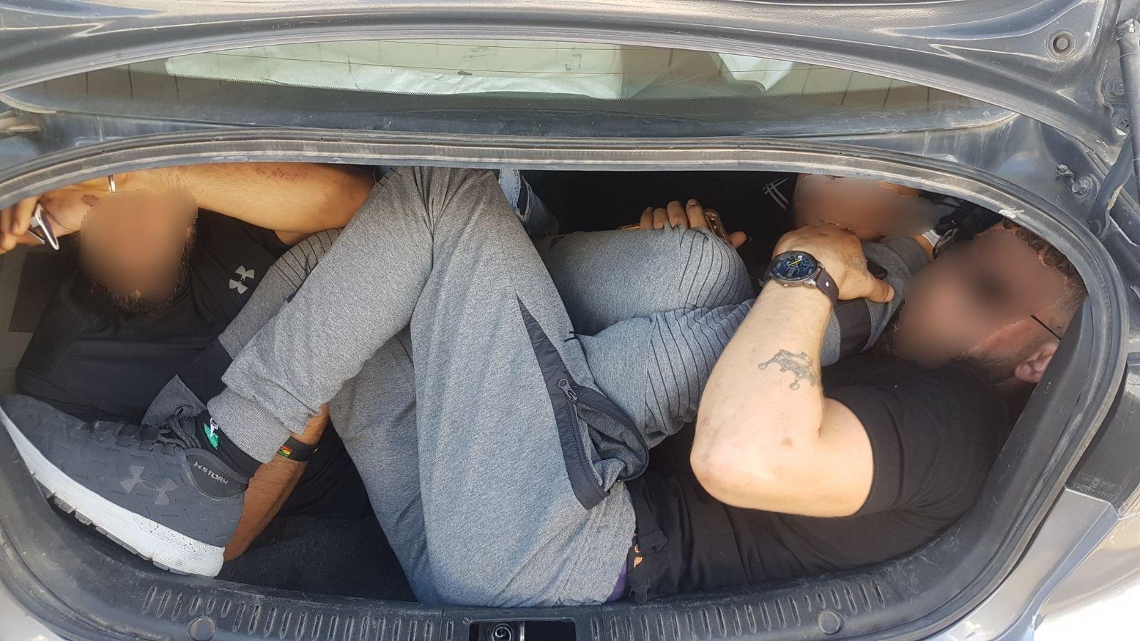 الشرطة تعتقل فلسطينيين بذريعة الدخول بصورة غير قانونية