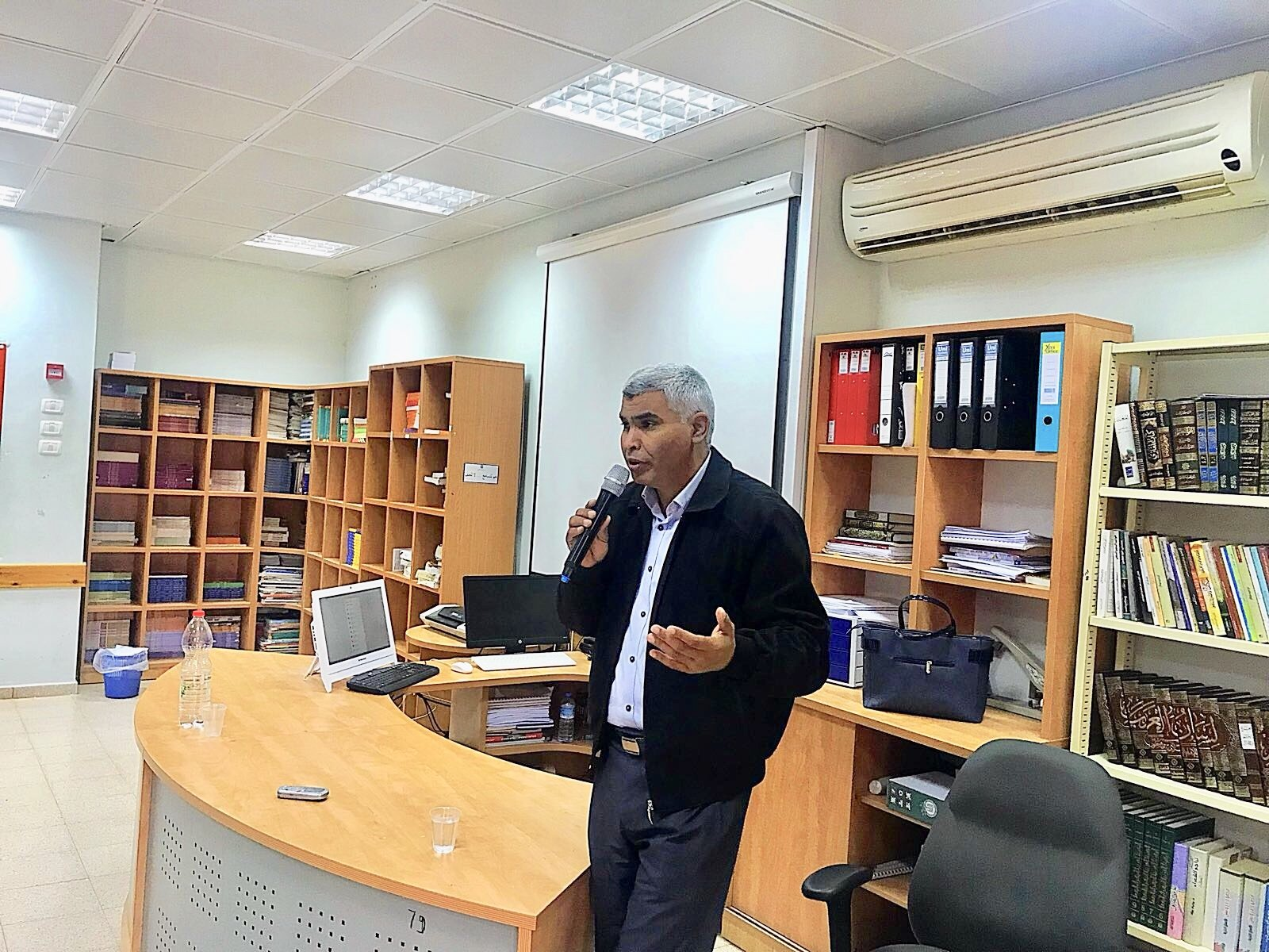 النائب سعيد الخرومي يحاضر في مدرسة اورط  الثانوية قصر السر