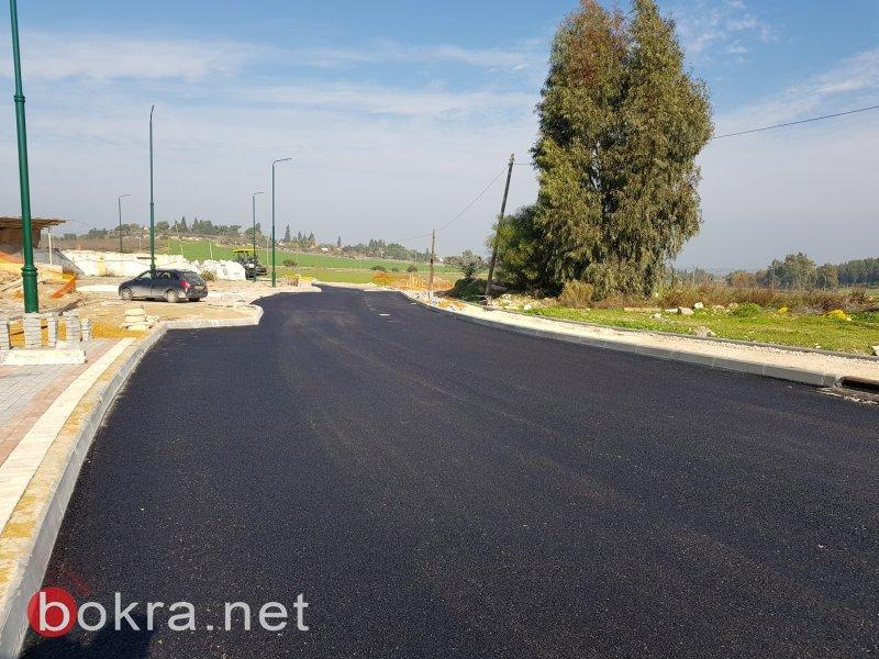 رصف وتعبيد الشارع الرئيسي لمدخل قرية سالم