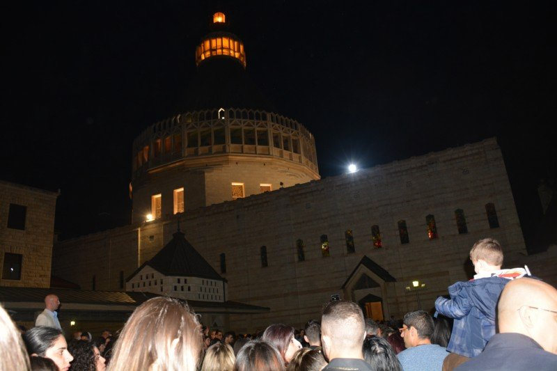 مشاركة واسعة في جناز المسيح في بازيليكا الناصرة