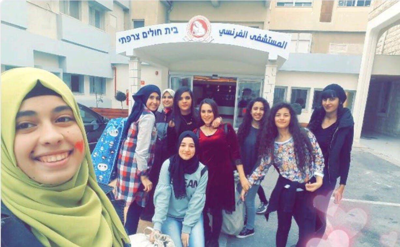 مجموعة فتيات تطلق بصمة امل بمناسبة رمضان
