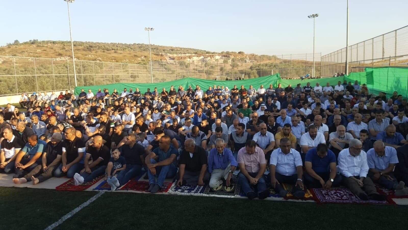 زلفة: الاهالي يؤدون صلاة العيد