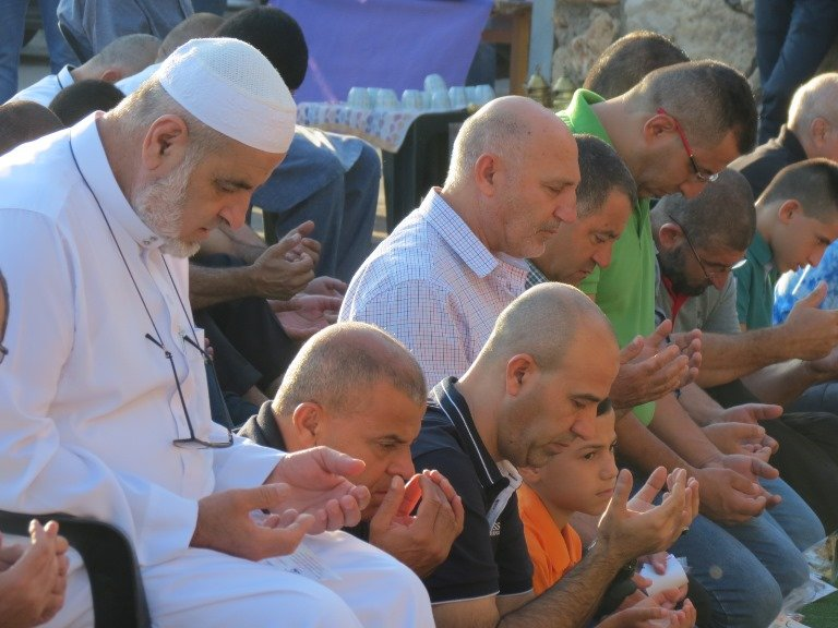 عرابة: المئات يشاركون في صلاة العيد الموحدة