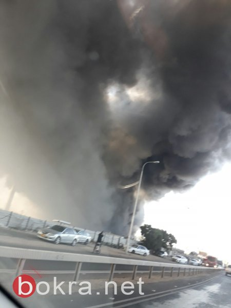 حريق هائل في مجمع للسيارات المشطوبة بقلنسوة - صور