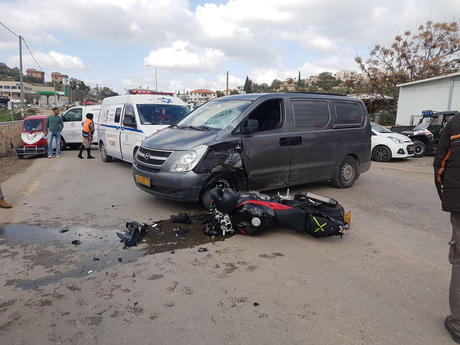 إصابة سائق دراجة نارية بجراح اثر حادث قرب كفر قرع
