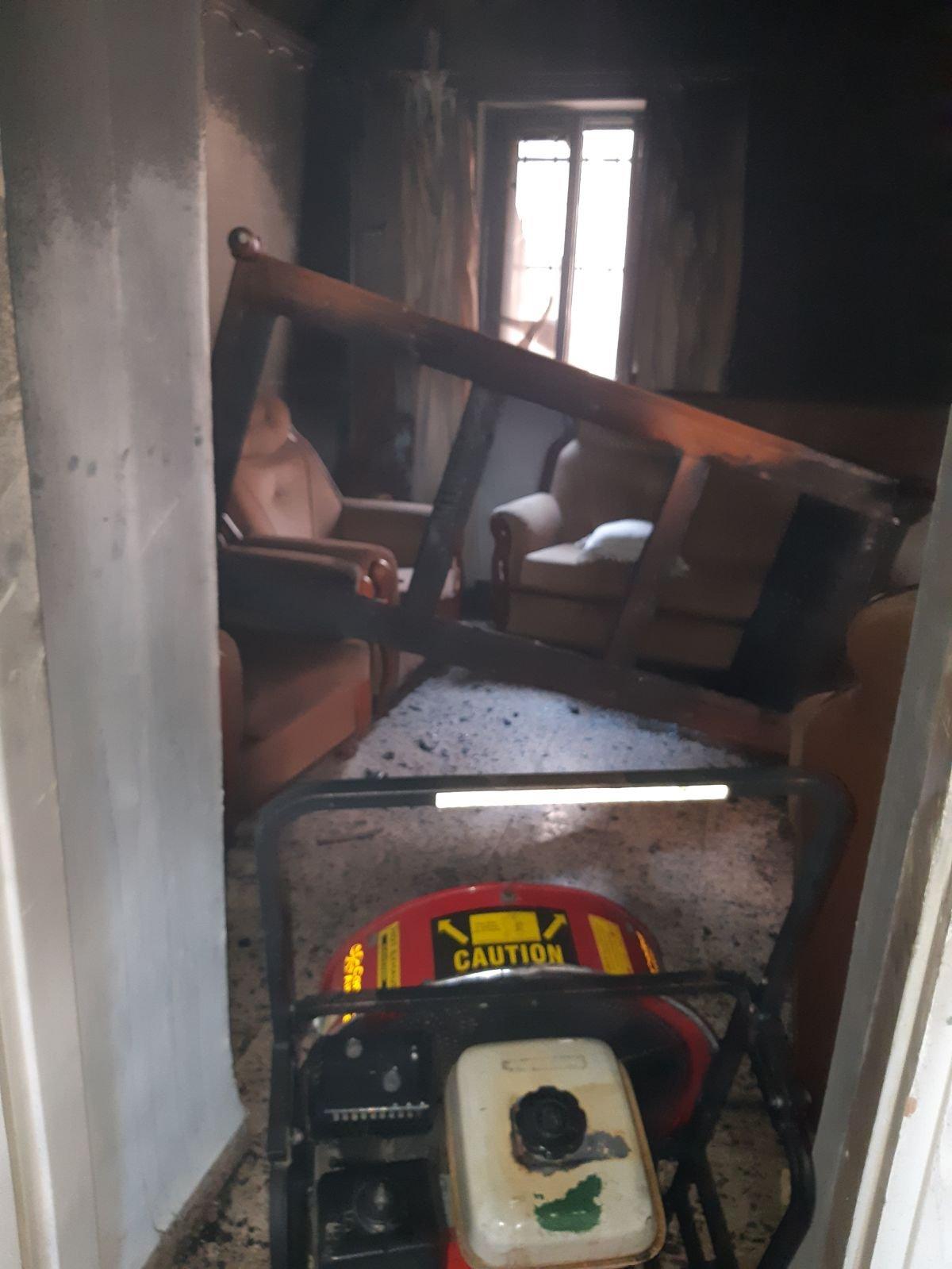 كفر ياسيف: سيجارة تسببت بالحريق بالمنزل، أشعلت بغرفة نوم إحدى المصابات