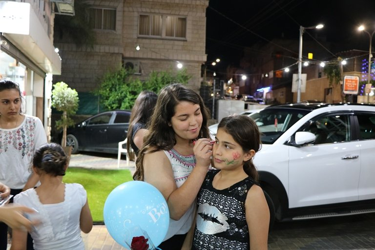 أجواء ليلة عيد الفطر في بلدة عرابة البطوف