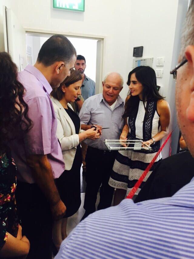 رئيس بلدية الطيرة يغادر افتتاح مركز ريّان واجواء مشحونة