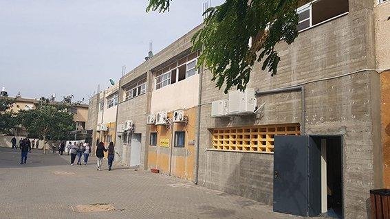 بلدية عكا تنهي اعمال الترميم الواسعة في مدرسة اورط الاعدادية بتكلفة 7 مليون شاقل!