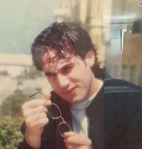 باسم مغنية ينشر صورة قديمة له.. شاهدوا كيف كان