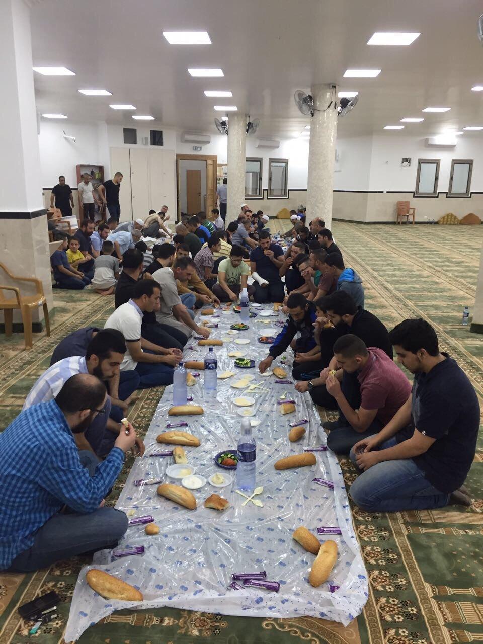 أم الفحم: مجموعة  مبادرون تُحيي العشر الأواخر من رمضان في مسجد حيّ العيون