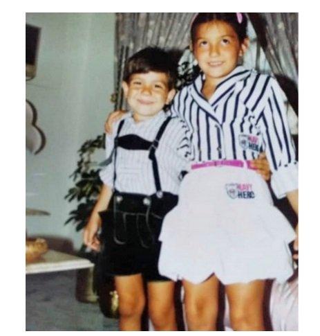 كندة علوش في صورة طريفة من طفولتها