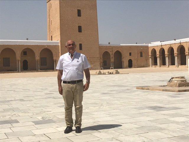 المنتج علي عباسي في تونس:يلتقي مع كبار الفنانين في العالم العربي